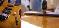 Fabrication d'une plaquette de sélecteur en palissandre (Fixation invisible / Guitare Charvel SanDimas))